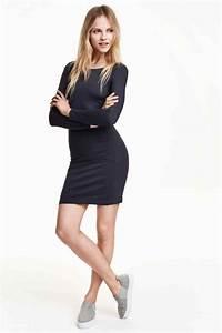 robe bleu marine comment la porter un baptme With quelle chaussure avec une robe noire pour un mariage