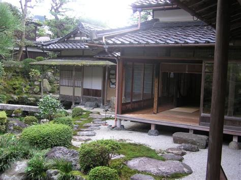 Asian Home : Outside Shot Of A Traditional Japanese Home With An Engawa