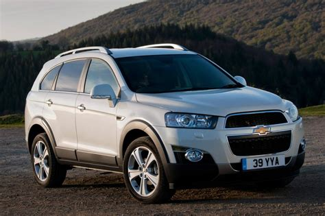 chevrolet captiva suv pictures carbuyer