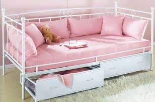 Ikea Leirvik Bed by Mooie Bedden Girlscene