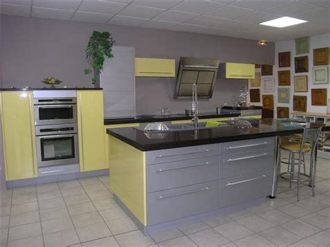 quelle couleur pour une cuisine rustique quelle couleur de mur pour une cuisine avec des meubles