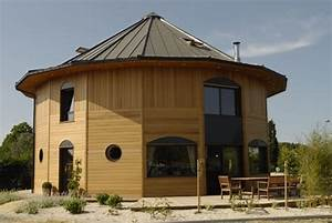 12 exemples de maison ronde construire tendance With maison bois ronde tournante