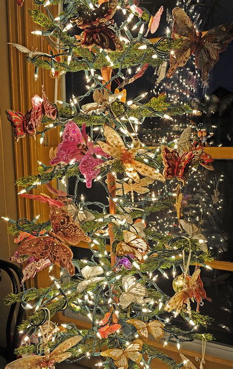 southwest michigan christmas  owners start decorating
