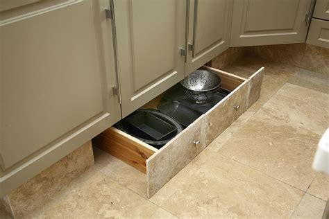 tiroire cuisine amnagement tiroirs cuisine tiroirs de rangement astucieux