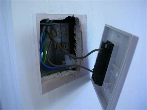 replacing a light switch light fitting