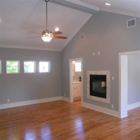 Bedroom Paint Ideas With Hardwood Floors by Bedroom Use Oak Flooring Among Modern Ceiling Fan Also