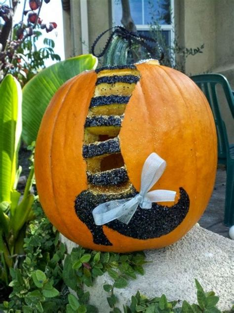 creative pumpkin decorating ideas 73 best pumpkin decorating and carving ideas images on pinterest halloween decorations
