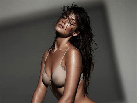 Le bon nude charlotte Charlotte Le