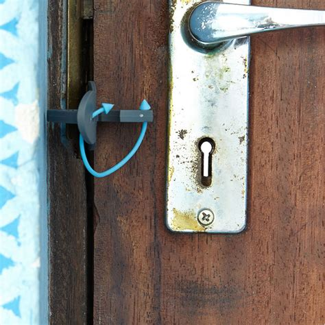 portable door lock personal safety  travelling