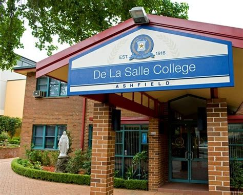 de la salle college sign system danthonia designs au