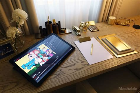 samsung s galaxy view is an inch tablet you carry around like a briefcase