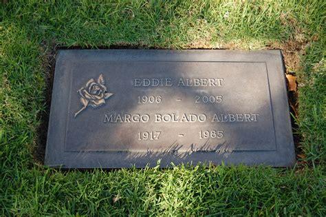 perry como burial site file eddie albert grave at westwood village memorial park