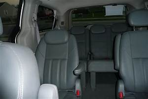 2008 Chrysler Town  U0026 Country - Pictures