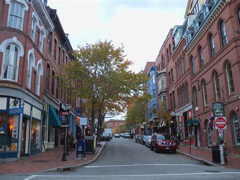 File:Downtown Portland 25.JPG - Wikimedia Commons