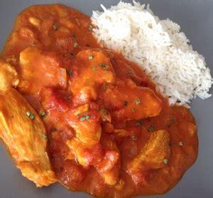 huile de coco pour cuisiner filets de poulet au curry tomates et lait de coco