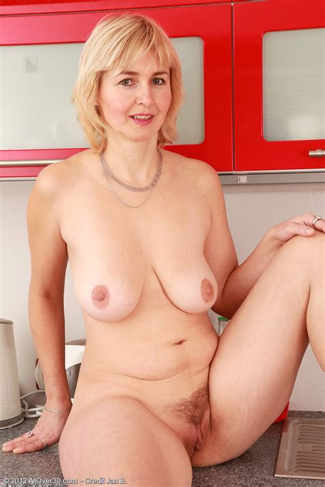 Nella Naked On The Kitchen Counter MILF Fox
