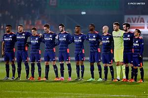 PSV.nl - PSV drop precious points in 2-2 draw at Willem II