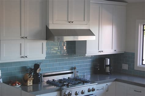 popular backsplashes for kitchens best 25 glass backsplash ideas for kitchens for your home