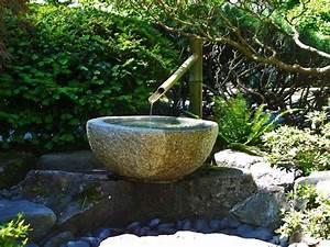 Garten Und Wasser : bambus brunnen wasser garten ideen naturstein becken garten vorgarten pinterest bambus ~ Sanjose-hotels-ca.com Haus und Dekorationen