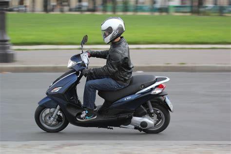 piaggio fly 125 2010 piaggio fly 125 moto zombdrive