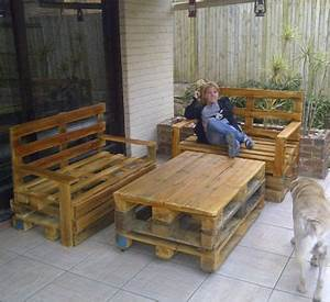 Pallet outdoor furniture that s why older pallets for Homemade furniture instructions