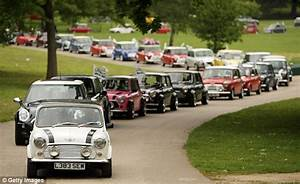 A big Mini day out - thousands take to the road for Mini's ...
