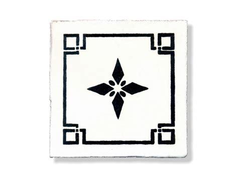 piastrelle santo stefano di camastra piastrella decoro camastra b w collezione antica