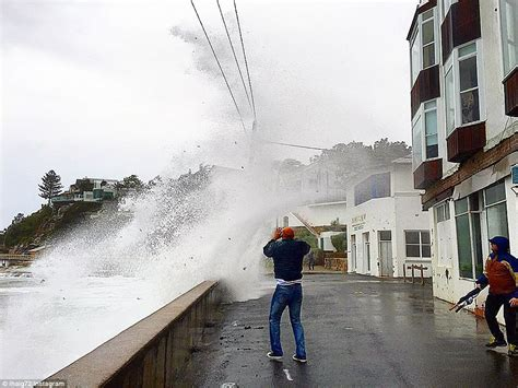 East coast storm: Sydney and Newcastle hit by 125km/h ...