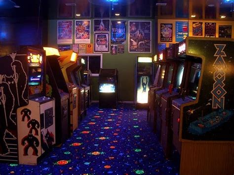 L'arcade Home Interiors : Structure Of Masked Barn In Video Game Room