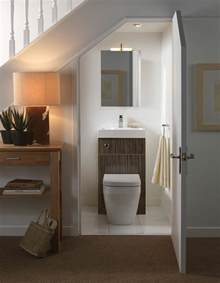 creative storage ideas for small bathrooms comment aménager une salle de bain