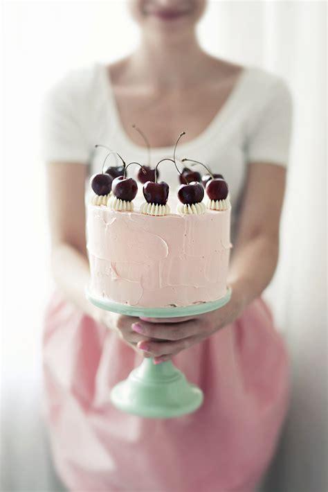 call  cupcake turns  call  cupcake