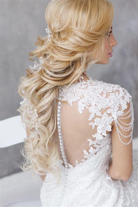 wedding hairstyles for a gorgeous wavy modwedding