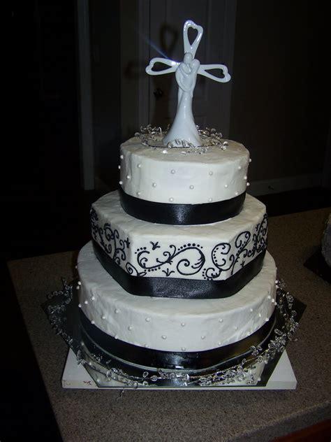 creative cakes   black  white elegance wedding cake