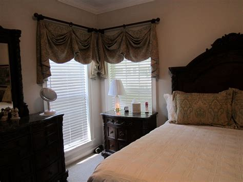Bedroom Valances by Custom Valances For Master Bedroom With Matching Pillow