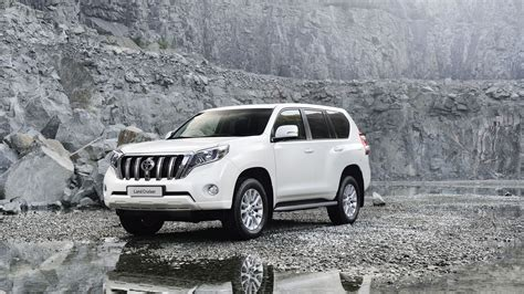 Toyota Land Cruiser Backgrounds by Toyota Land Cruiser 2014 Wallpapers Hd