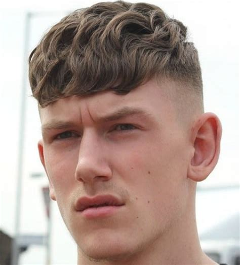 21 wavy hairstyles for men men s hairstyles haircuts 2018
