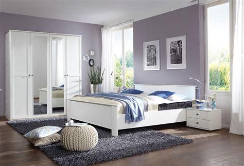 chambre h es chambre adulte taupe prune idées de décoration et de