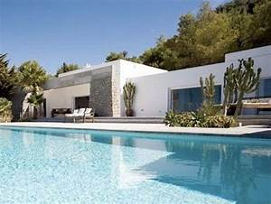 Wohnen Auf Ibiza : modern and chic villa for rent in ibiza spaces42 exteriors pinterest h user mit pool ~ Markanthonyermac.com Haus und Dekorationen