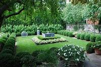 great boxwood garden design Great Boxwood Garden Design - Garden Design #19
