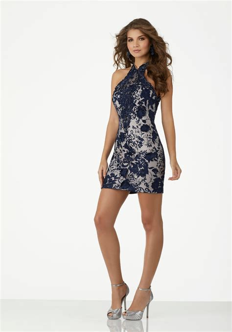 form fitting  dimensional lace party dress