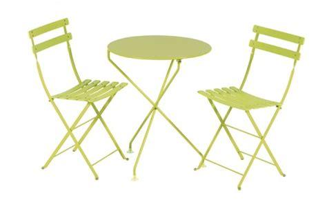 location de table et chaise location table berlingot vert anis et mobilier de jardin