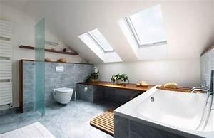 Fixer Upper Badezimmer : badezimmer dachschr ge fenster badewanne graue fliesen ideen rund ums haus in 2019 pinterest ~ Orissabook.com Haus und Dekorationen