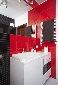 amenager une salle de bain moderne 30 idees et conseils With carrelage adhesif salle de bain avec led pour plante