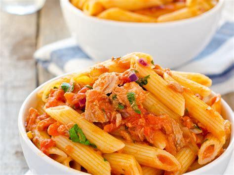 pates aux courgettes et thon p 226 tes au thon et 224 la tomate recette de p 226 tes au thon et 224 la tomate marmiton
