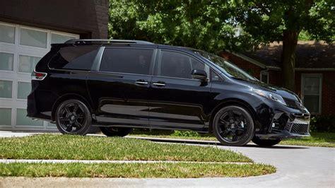 Toyota Sienna Price, Photos