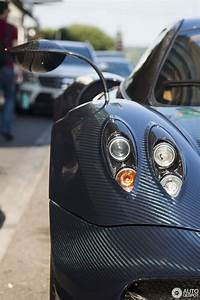 Pagani Huayra - Blue-CF (white stripes), Brown interior ...