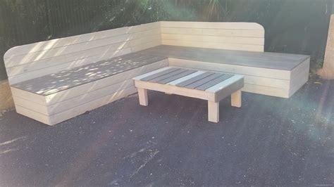 canapé avec 2 angles banquette de jardin en bois de récupération et sa table