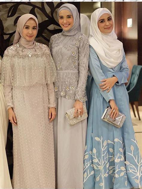 Selain style, perpaduan warna baju yang. Baju pesta muslim   Pakaian wanita, Gaun perempuan ...