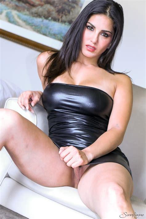 Sunny Leone In Sexy Black Mini Dress Upskirt Wadallat