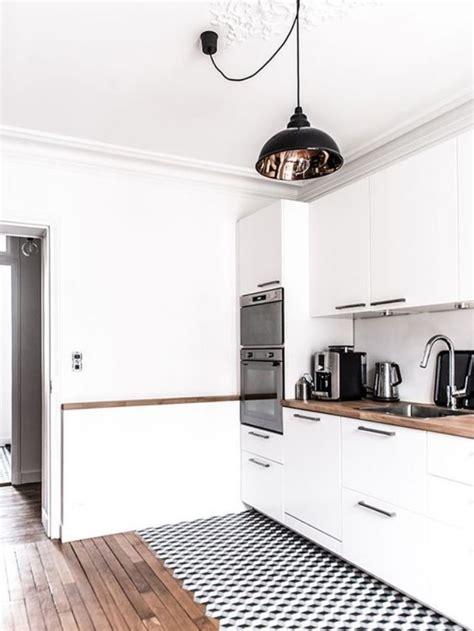 cuisine blanche sol gris la cuisine blanche et bois en 102 photos inspirantes